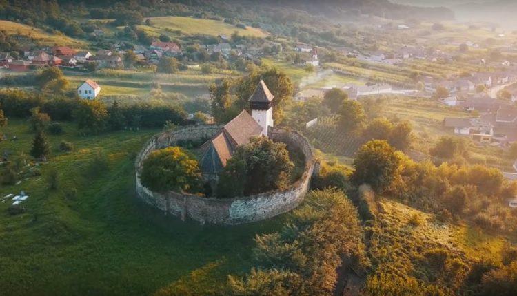 Biserica fortificată de la Țapu, scoasă la vânzare pentru câteva mii de euro