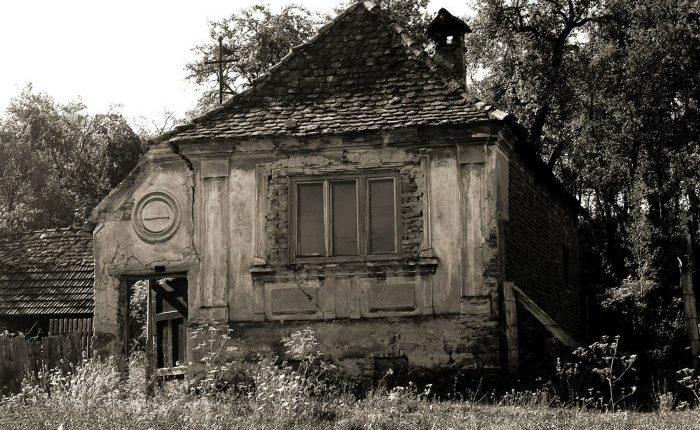 """Gherdeal – de aproape, e un sat """"fantomă"""" sau satul pustiu"""