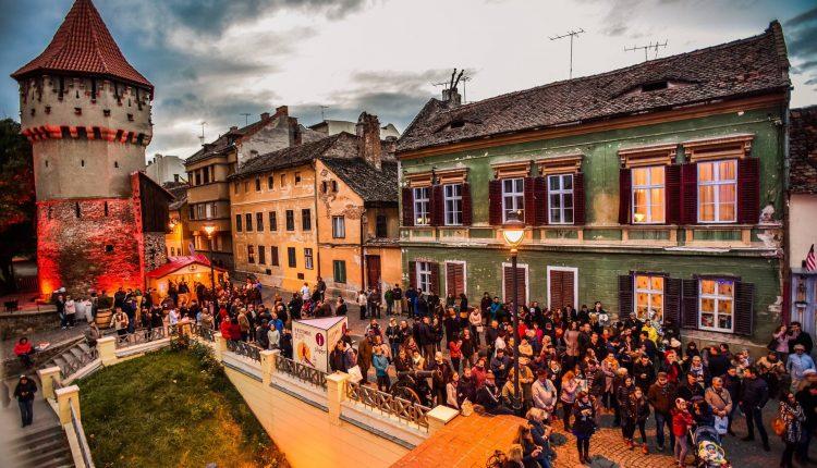 3, 2, 1- Start la Vinfest pe cea mai frumoasă stradă din Sibiu